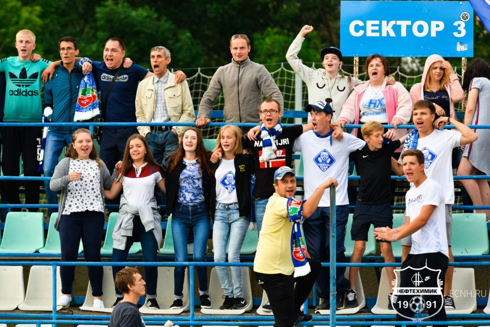 Фоторепортаж c матча «Нефтехимик» — «Зенит-Ижевск»